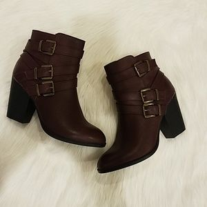 JustFab Grecia boots Sz 9